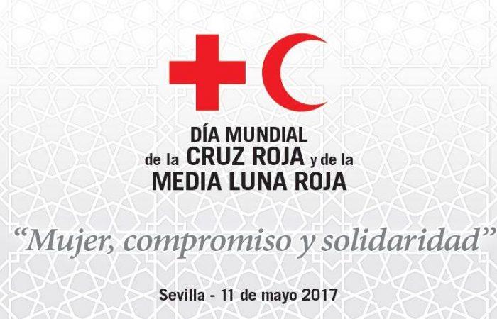 Lady Isabel condecorada con la medalla de oro de la Cruz Roja Española